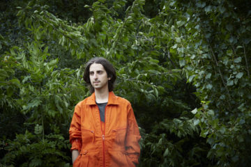 James Holden par Laura Lewis.
